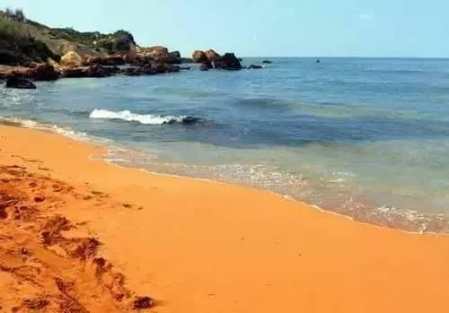 全球最美的12种颜色沙滩,哪个是你的最爱?