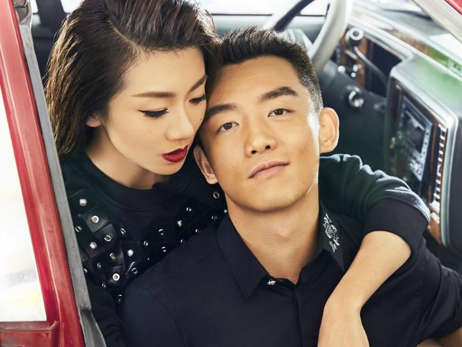 郑恺携女友程晓玥登上杂志封面