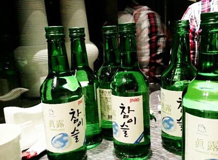 ktv喝酒瓶子_全球10大最爱喝酒的国家排名!中国居然不是第一!