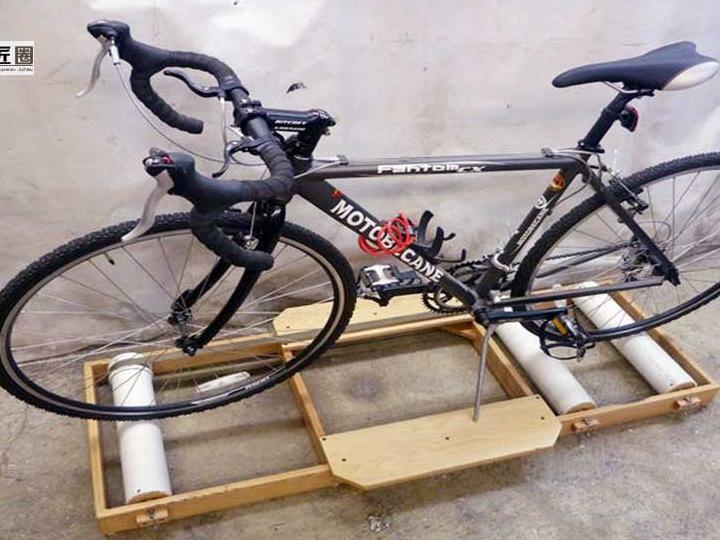 自行车骑行滚轴底座的制作方法