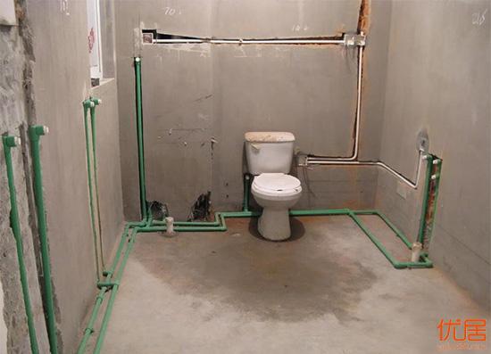 关于卫生间冷热水管的安装 我们需要注意些啥?