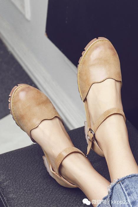 夏天穿什么鞋最舒服?今秋达人最爱的鞋时髦穿法