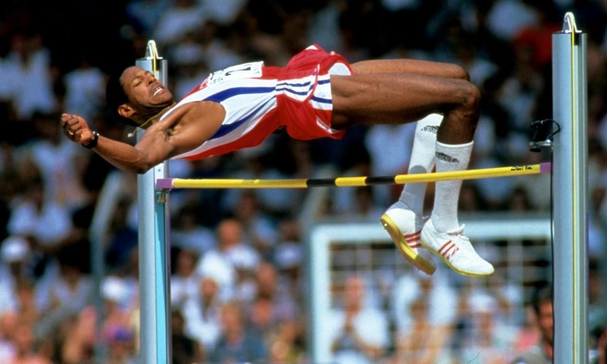 跳高_有人说跳高是失败者的运动,因为每次比赛运动员在完成一个高度后,还要