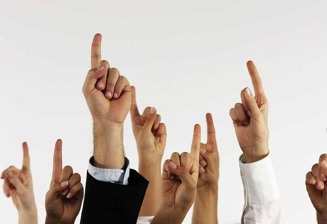 坤鹏论:创业大裁员都是创业者的错?-自媒体|坤鹏论