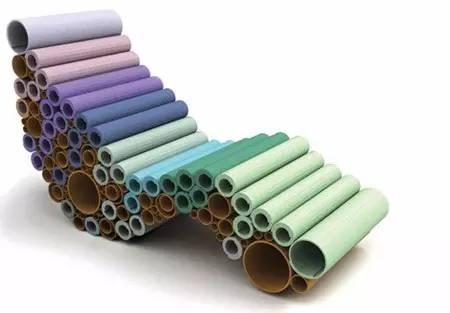 捆绑堆叠纸筒做成的沙发椅,提供了稳定性和舒适性.