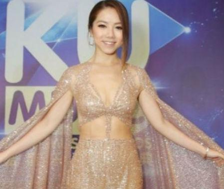 时尚 正文  近日邓紫棋在微博晒比基尼照照十分性感,看上去瘦了不少图片