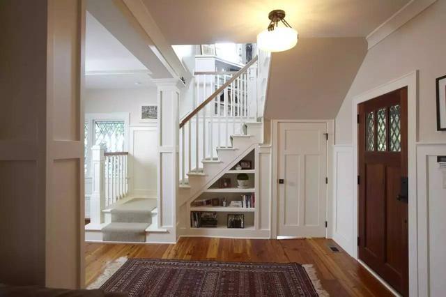 那么农村房装修的时候,楼梯该如何装修才显得更美观呢,一起来看看下面