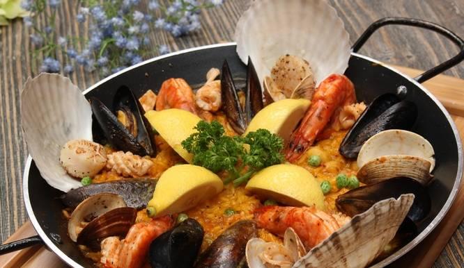 北京最美味的西班牙海鲜饭美食海报手绘地图图片