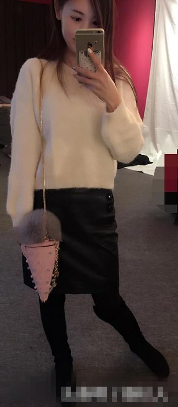 一身青花瓷花纹连衣裙很有复古味道