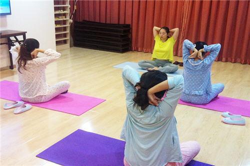 产后瑜伽的好处及对身体的帮助