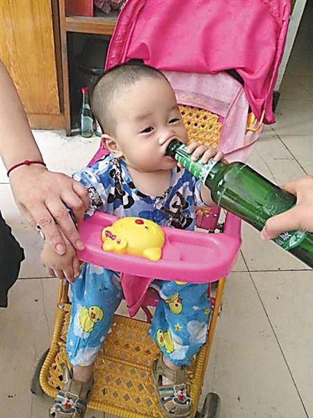 一岁宝宝不爱喝奶爱喝酒,请别再伤害你的宝宝了