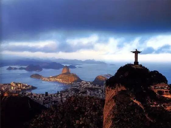 巴西里约狂欢传来的画面,太震撼了!