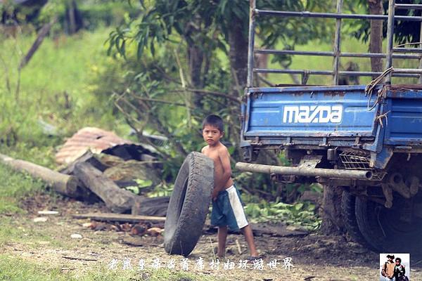 危地马拉:拉畜生的车和公交车是一样的