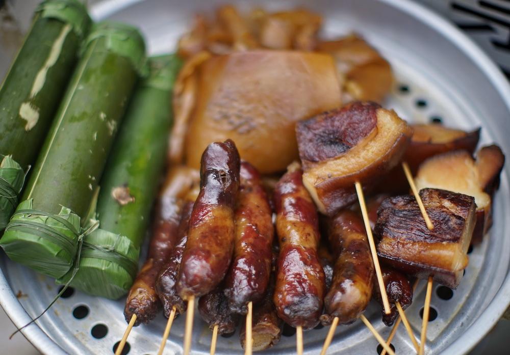 千户苗寨,看到这些美食你饿了吗?