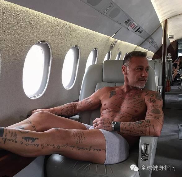 意大利超级富豪纯爷们儿 吉安卢卡(Gianluca Vacchi),男人练成这样,到90岁也有姑娘想睡你! 8
