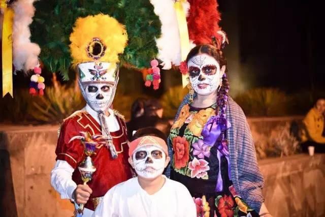 """墨西哥人真厉害 连""""死亡""""这件事也可以拿来玩"""