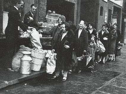 1930 经济危机_1930年代经济危机情形-当今全球经济与1930年代现诸多惊人相似之处