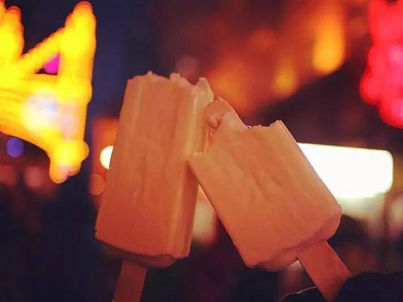 清凉一夏 品味海口的马迭尔冰棍的美味