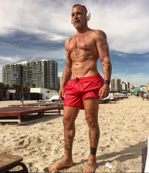 意大利超级富豪纯爷们儿 吉安卢卡(Gianluca Vacchi),男人练成这样,到90岁也有姑娘想睡你! 4