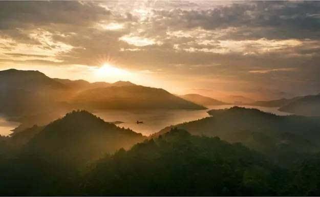 去一次浙西南的这个小县城,就同时游览了安徽福建江西三个省的风光