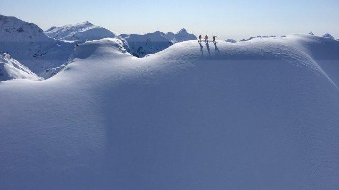 南半球滑雪季,地球另一端的奢华冰雪探险