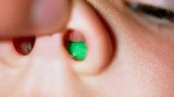 健康 正文  会产生口气的细菌大部分寄居在舌头上,如果舌头不够清洁