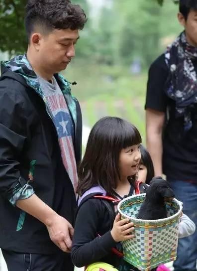 黄磊 20年爱情10年育儿经,他说找个养你的爱人,不如有个养你的家庭