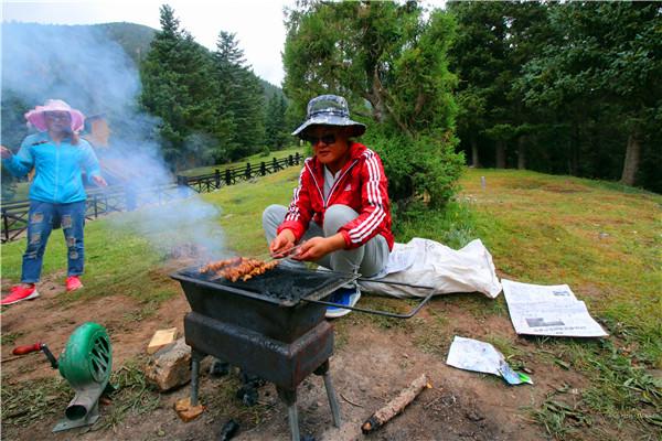 在哈里哈图看那些原始的户外烧烤