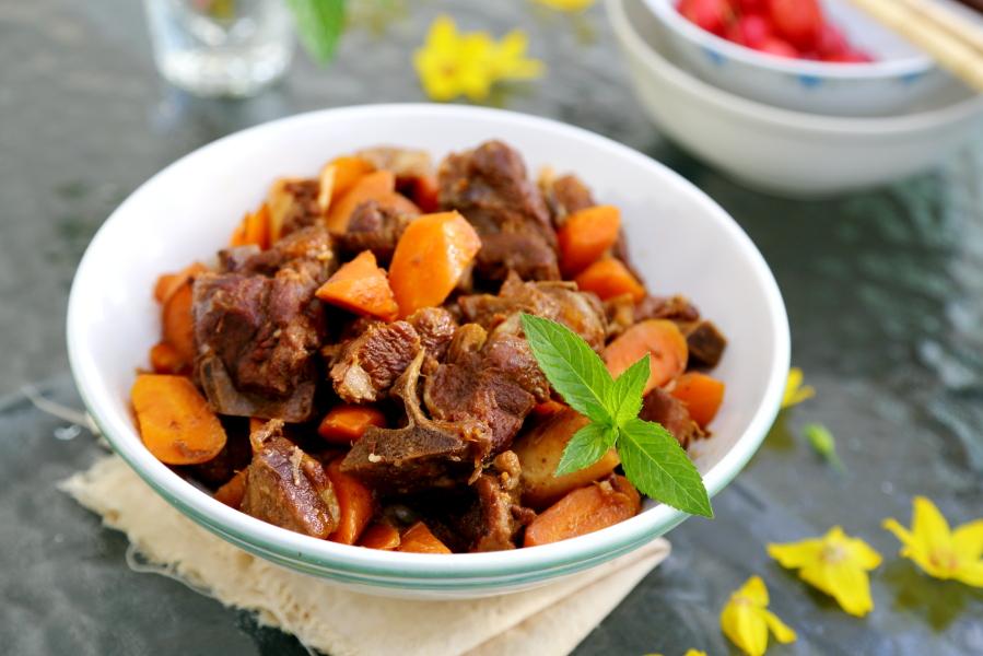 相聚】胡萝卜炖羊肉,暧胃贴秋膘
