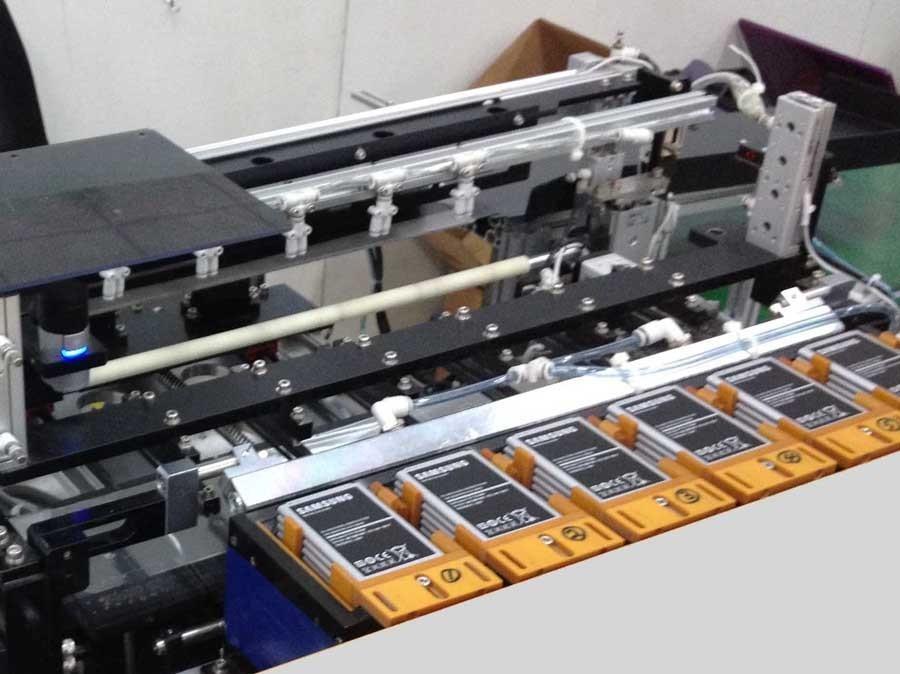 此外,为了使机器视觉能够适应工业4.0以及未来的工厂生产,德国机械设备制造业联合会机器视觉专业协会(VDMA Machine Vision)与OPC基金会(OPC Foundation)开始编制《OPC统一架构机器视觉配套规范》,旨在将机器视觉系统直接整合进生产控制与IT系统,发挥最大的效能。 工业4.