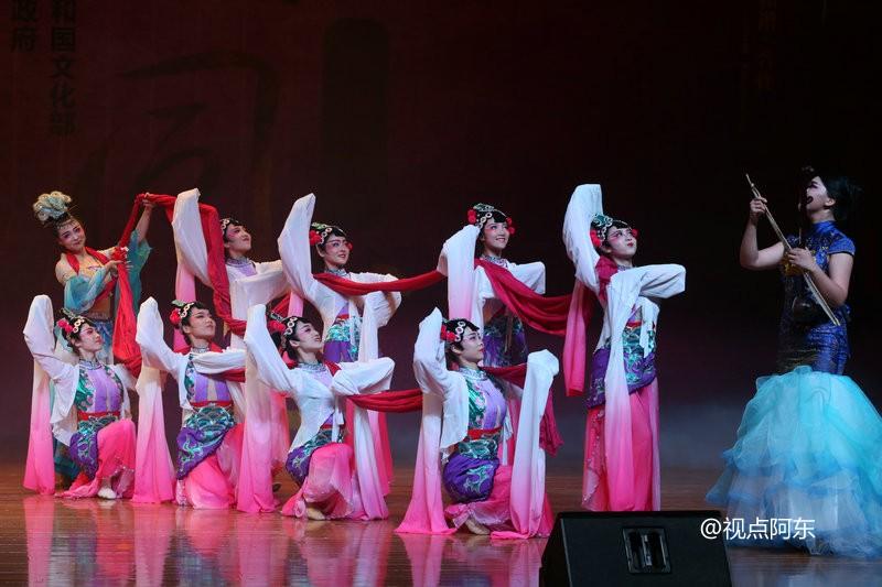 第三届丝路国际艺术节现代艺术周惠民巡演精彩纷呈(组图) - 视点阿东 - 视点阿东