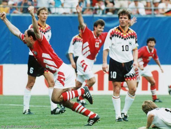历届德国队球衣集锦 是永恒的经典回忆图片