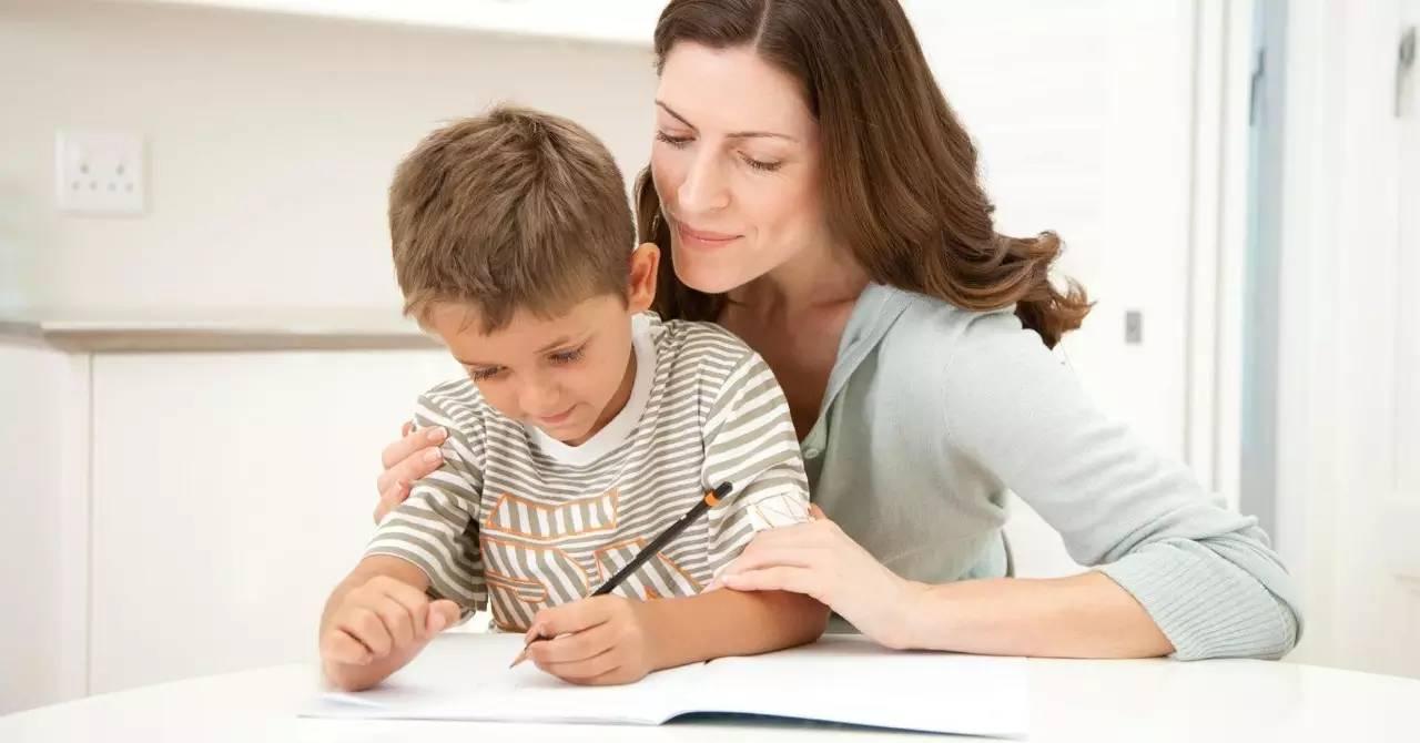 推荐 到底陪不陪孩子写作业,这里面可大有学问啊图片