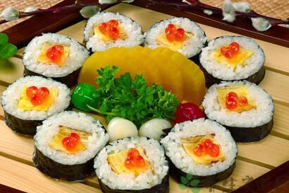 寿司小吃店开在学校旁边怎么样?想开一个DIY寿司店怎么样