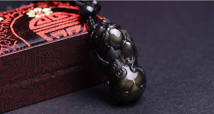黑曜石貔貅吊坠的佩戴