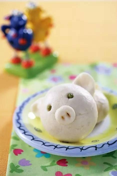 小猪等各色各样的小动物