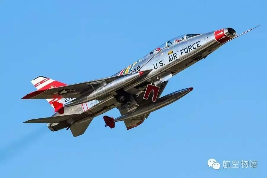 苏联航展飞机相撞