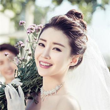 2016年韩式婚纱照新娘造型 流行的新娘发型都在这里图片