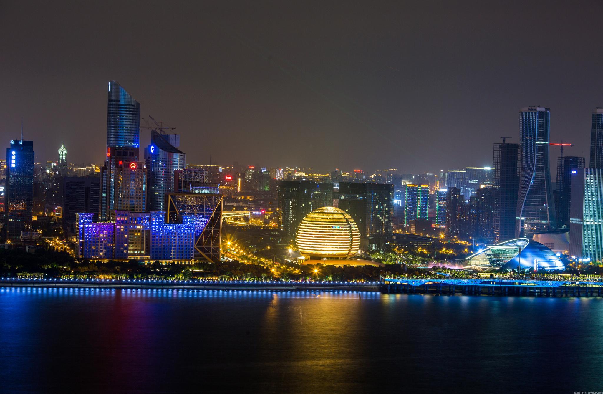 钱塘江北岸灯光秀:亮灯时间需调整