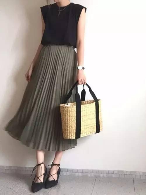 最近在日本流行的这些衣服,其实都来自于优衣库!图片