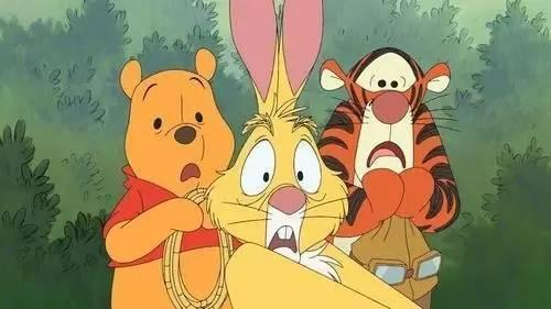 《爱丽丝梦游仙境》中的人物,爱丽丝就是跟着这个穿马甲的兔子,走进了