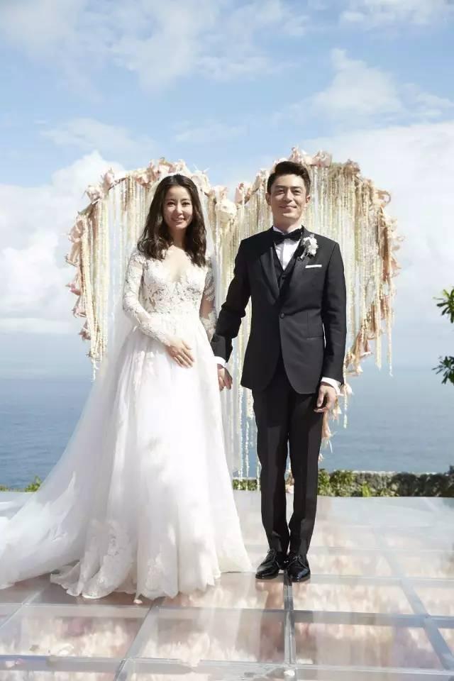 在林心如和霍建华婚礼当天,林心如与赵薇,范冰冰的友情更是让人羡慕啊图片