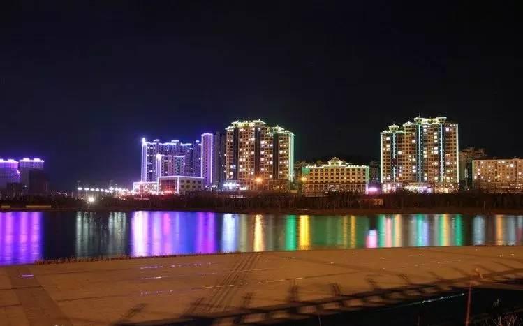 双鸭山市人口_双鸭山8区县人口一览 集贤县24.39万,四方台区3.96万