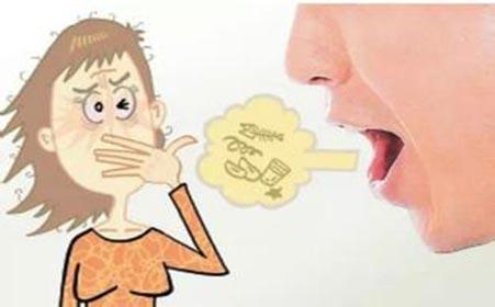 咖啡因,辛辣食物和香烟等导致口干舌燥的物质都会引起口臭.