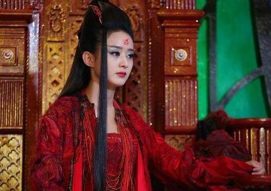 赵丽颖在《花千骨》当中化身妖王就是一身的红衣