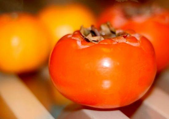 """""""柿子+酸奶""""导致中毒,是真的吗?"""