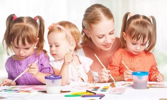 幼儿撕纸粘贴画画图-养和保持儿童的绘画兴趣