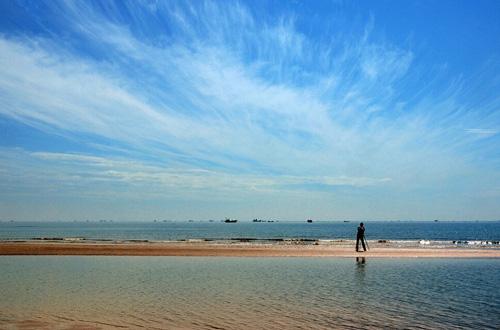 翡翠岛位于秦皇岛昌黎,虽说10月份不是翡翠岛的最佳旅游时间