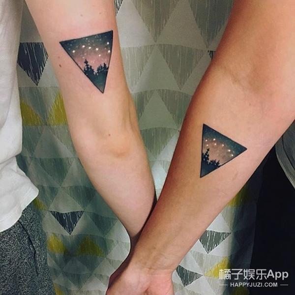 又或者是纹上你们俩最喜欢的图案,场景,只要一伸胳膊就知道你们是闺蜜图片
