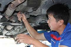 汽车为什么会侧漏油,汽车侧漏油怎么办?